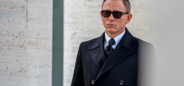5d3b30c098b8 Daniel Craig wears Tom Ford sun glasses in  SPECTRE . (Photo  Sony Pictures)