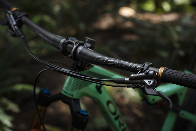 You won't notice visually, but these handlebars are thinner in places, to deliver 'good flex' (Photo: Race Face)