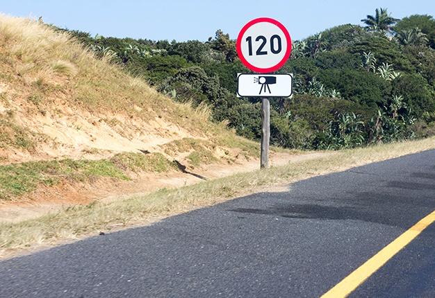 News24.com | Twee motoriste is in hegtenis geneem nadat hulle meer as 170 km / h geklop het