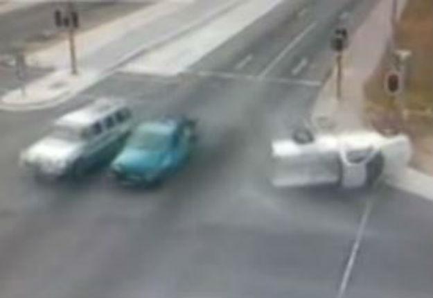 WATCH: Fleeing suspects crash into cop vehicle in PE   News24