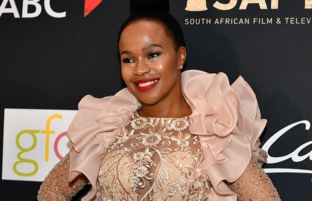 Best Actress in a Telenovela winner Sindi Dlathu.