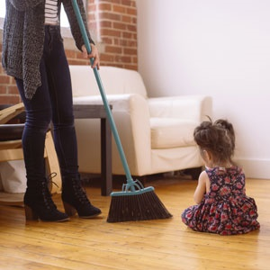 housewife,child,sweeping