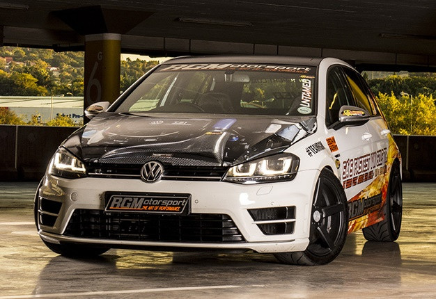 This Modified Golf R Smashes The 1 4 Mile In 10 95 Seconds Wheels24