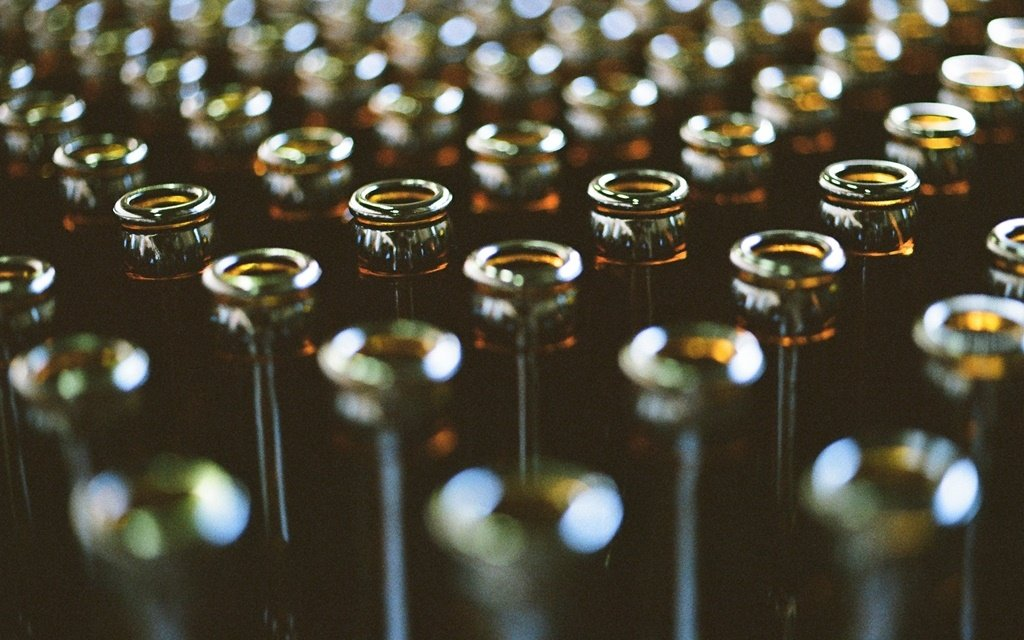 Research commissioned by the SA Liquor Brand Owners Association (Salba), the Beer Association of SA (Basa) and Vinpro, and conducted by Euromonitor International, reveals that the illicit alcohol trade has now overtaken the entire combined formal wine and cider sectors. Photo: Yuki Shintani / Getty