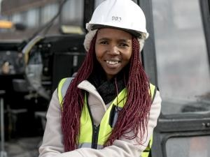 Meet Onele Jonas, Junior Foreman