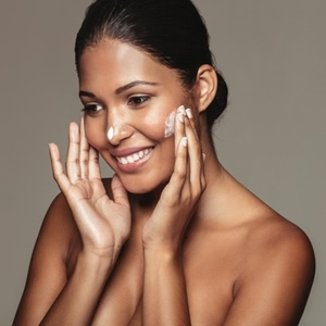 Causes of facial skin discoloration
