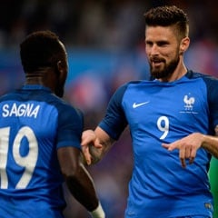 Olivier Giroud, Bacary Sagna for France (Getty Images)