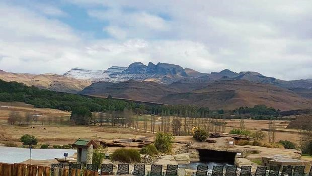 Snow seen at Bushmans Nek (KZN), Southern Drakensberg early on Saturday.