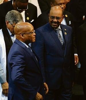 Sudan's president, Omar al-Bashir, with President Jacob Zuma at the AU summit in Johannesburg in 2015. (File, Felix Dlangamandla, Netwerk24)
