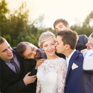 5 things you should never do at a wedding