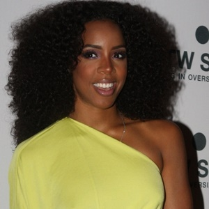 Kelly Rowland speaks about her urinary incontinenc