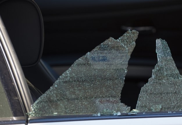 <B>VEHICLE CRIME:</B> <I>Smash 'n grabs</I> are not an uncommon sight on SA roads. We list what motorists can do to protect themselves. <I>Image: iStock</I>