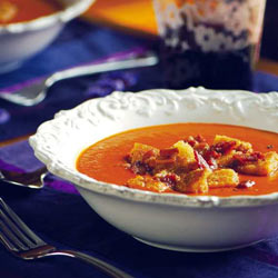 Creamed tomato and bacon soup with croutons