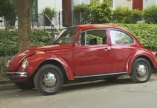 <B>TRUSTING STRANGERS:</B> After working on this VW Beetle for two years, Cullen Kohls returned the 1973 Bug to its delighted owner. <I>Image: YouTube</I>