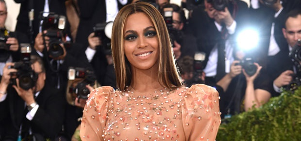 Beyoncé to fund scholarships for women at 4 colleges