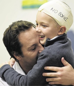 Justin Slabbert and his son, Caden. (Mary-Ann Palmer, Netwerk24)