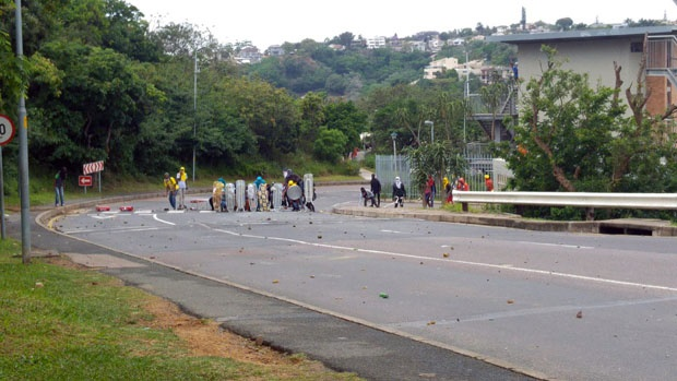 UKZN protesters using ironing boards as shields