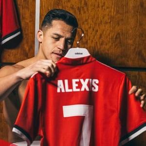 Street footballer Sanchez to provide spark at Man United