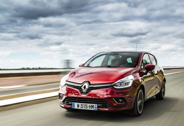 Renault Clio Refreshed For Sa Design Tweaks New Tech Wheels24