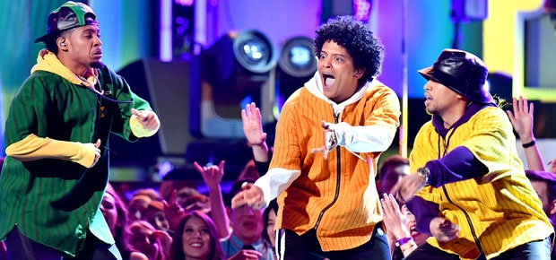 Bruno Mars performs at the 2018 Grammy Awards. (Photo: Getty Images)