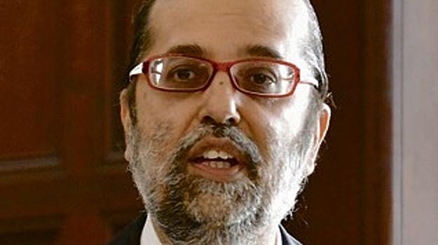 MultiChoice threatened to pull e.tv off DStv over digital migration, Zondo inquiry told - Fin24