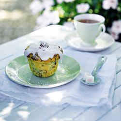Mango, polenta and raspberry cupcakes