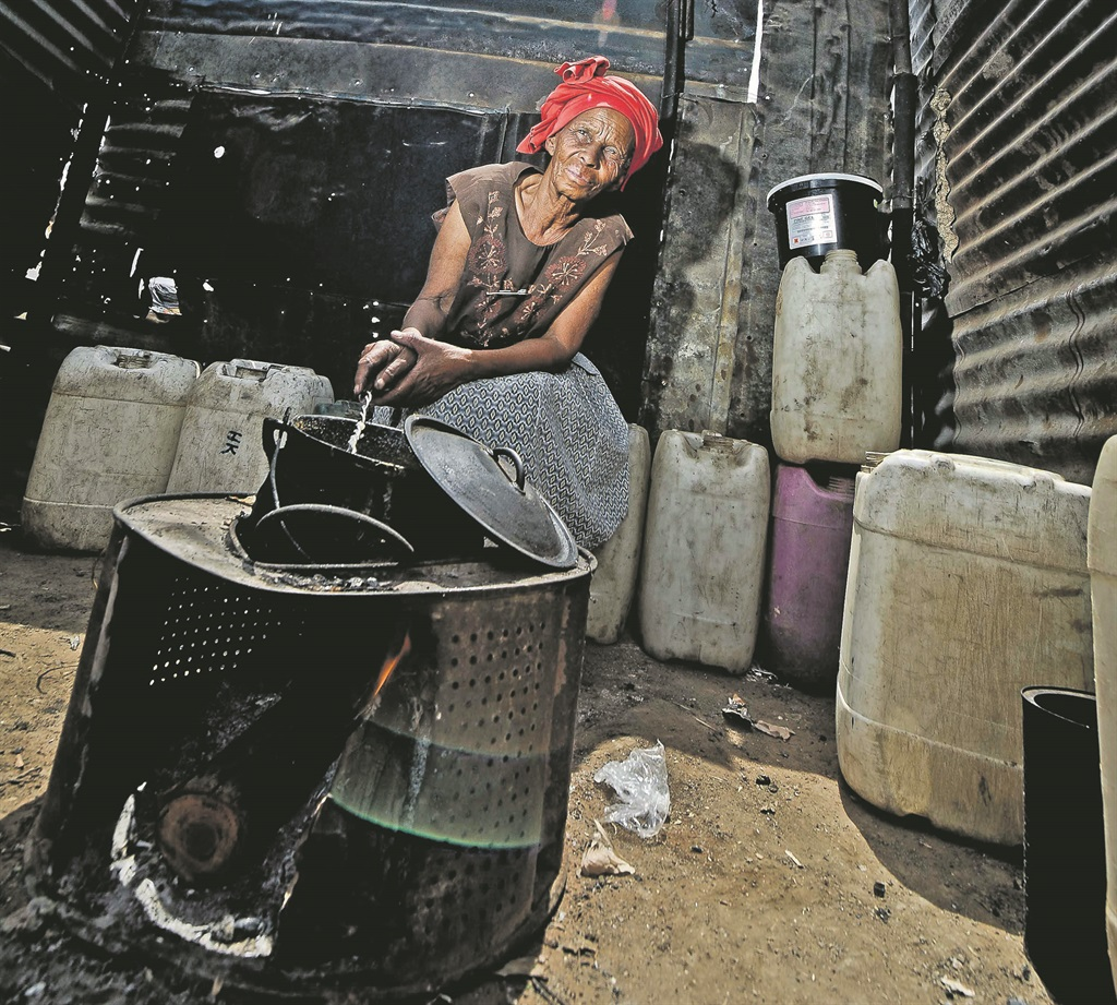 A BLEAKER FUTURE Life for ordinary South Africans is not going to get better next year, with the IMF forecasting a 2.4% decline in wealth since 2014. Picture: Mlungisi Louw
