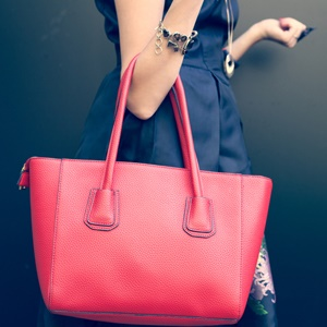 heavy bag, handbag, back, pain