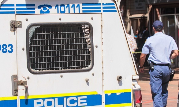 In the showdown between the police and the burglars near Umlazi, one burglar was arrested as three others fled on foot.