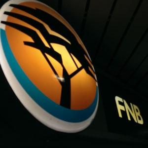 Bankstaking: FNB sê kliënte moet app- en aanlynbankdienste gebruik - Fin24