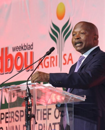 Deputy President David Mabuza addresses farmers and members of organised agriculture at Landbouweekblad and AgriSA's land summit in Limpopo. (Photo: Liza Bohlmann)