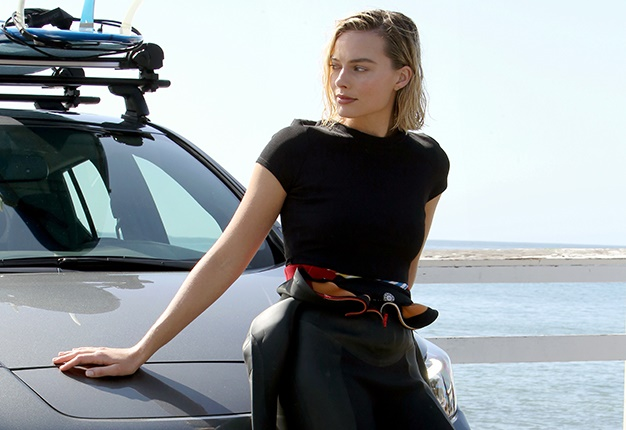 Nissan Leaf Range >> Surf to inspire: Actress Margot Robbie pulls on wetsuit in her latest film for Nissan | Wheels24