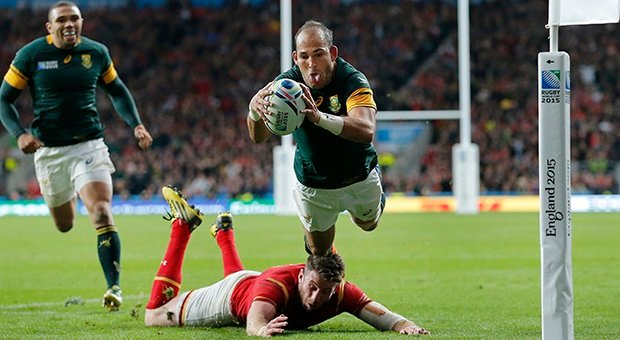 Fourie du Preez scores the match-winning try again