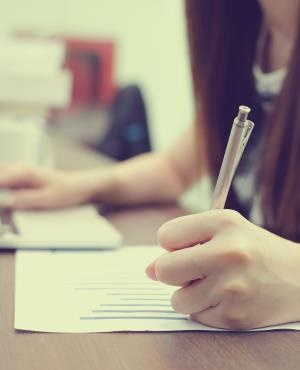 How to write better job adverts to attract better applicants