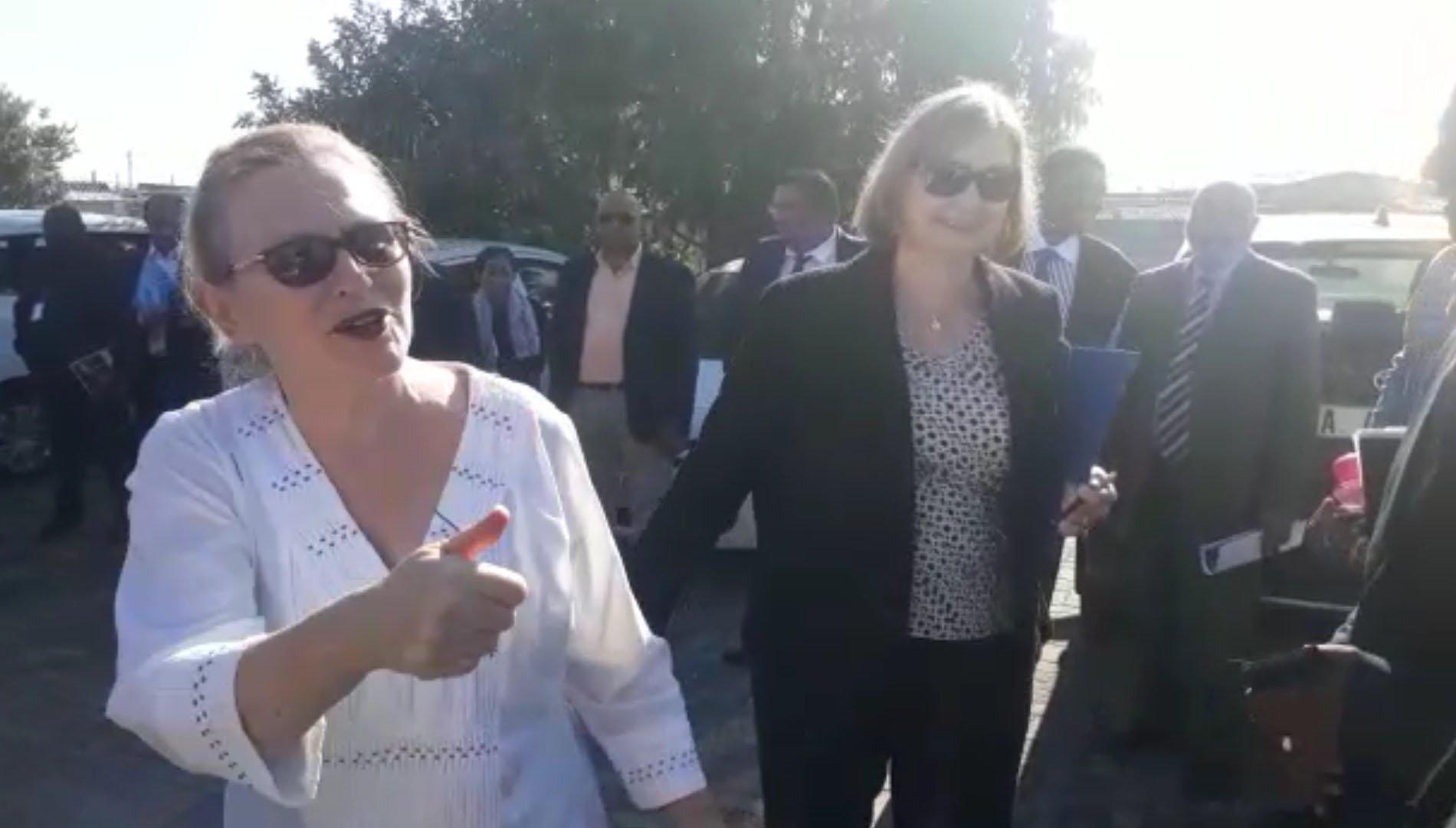 WATCH: Zille intervenes after threats to burn down Gugulethu school