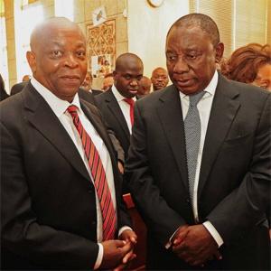Spokesperson Ronnie Mamoepa and Deputy President Cyril Ramaphosa. (GCIS)