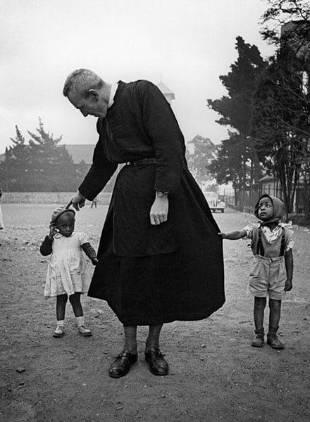 Father Trevor Huddleston (Photo by Jürgen Schadebe