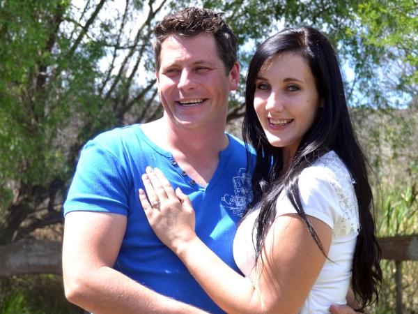 Dillon en Monique het op haar verjaardag verloof geraak. Foto: Verskaf