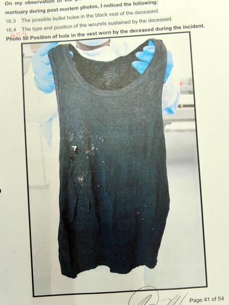 Die frokkie wat Reeva Steenkamp aangehad het toe sy geskiet is. Die frokkie wat Reeva Steenkamp aangehad het toe sy geskiet is. (Foto: Leon Sadiki/City Press/Sapa)