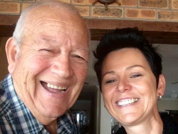 Jennifer en haar oorlede pa. Foto: Verskaf