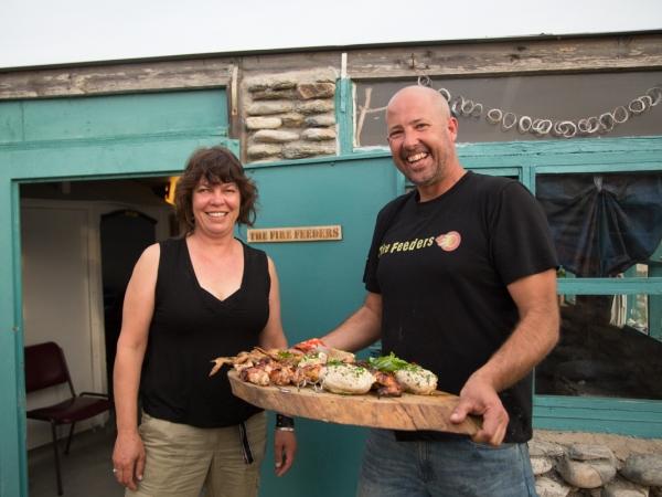 The Fire Feeders, die vriende Stuart Smith en Bretton-Anne Moolman van Port Elizabeth.