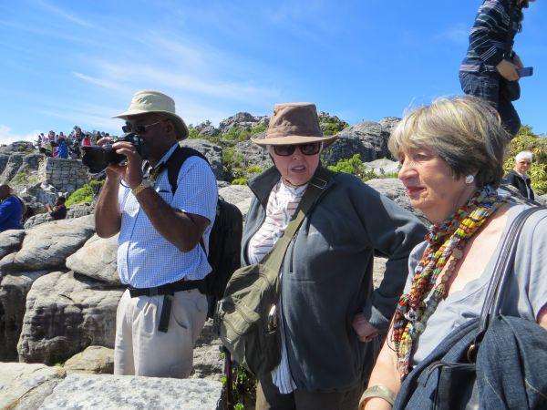 Chris, Marge en Rian bo-op Tafelberg