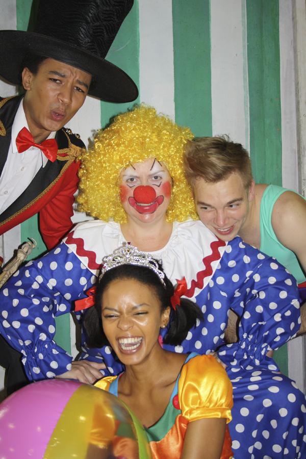 Vlooi en die sirkus