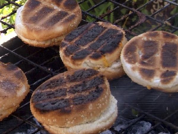 H en E knoffel en kaasbrood
