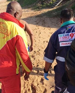 Beach rescue. (Netcare911)