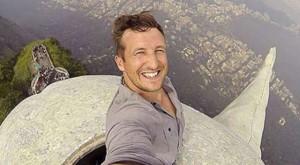 World's most dangerous selfie  (5)