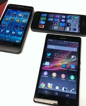 Smartphones. (Duncan Alfreds, News24)