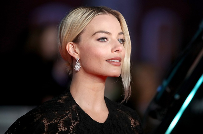 Margot Robbie, Christina Hodson Partner on New 'Pirates of the Caribbean' Movie