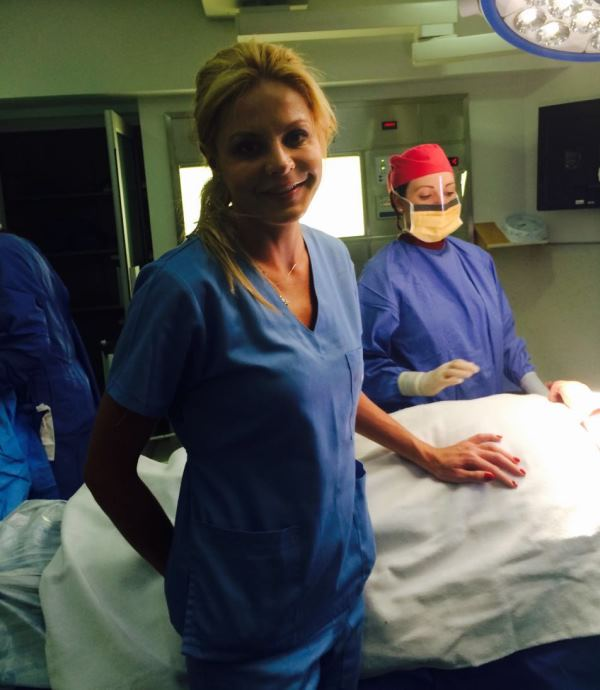 Joburg Plastic Surgeon Gives Hope To Women Who Can T Afford Breast