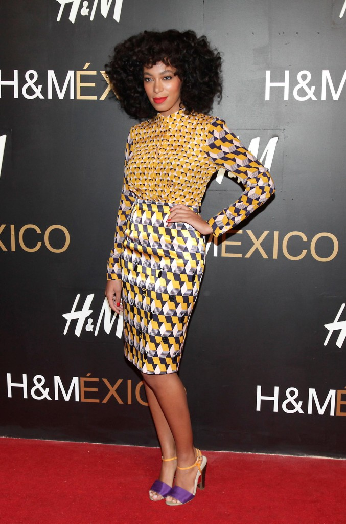 ©BAUER-GRIFFIN.COM  ***NO CANADA RIGHTS*** Solange Knowles performs as a DJ for the opening of the H & M store in the Santa Fe district of Mexico City NON-EXCLUSIVE   October 30, 2012 Job: 121101M2  Mexico City, Mexico www.bauergriffin.com www.bauergriffinonline.com [PHOTOAMC] [AMC_0001_033084]